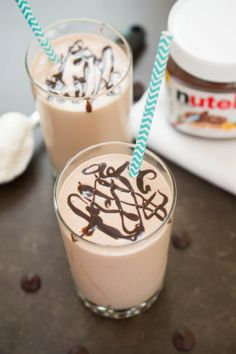 4 ingredient peanut butter and Nutella milkshake