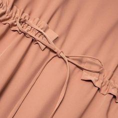Wear Anywhere Tunic Sleeves Designs For Dresses, Sleeve Designs, Blouse Designs, Abaya Fashion, Muslim Fashion, Fashion Dresses, Fashion Sewing, Diy Fashion, Ideias Fashion