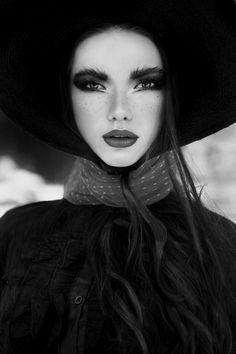 Nadya Kurgan Sleepy Hollow by Anastasia Fursova Magnifique visage!