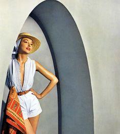 Photo by Louise Dahl-Wolfe for Harper's Bazaar, 1950 / shot in Tunisia