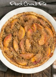 Easy Peach Crumb Pie - Juicy peaches baked in a buttery pastry with a crumb topping ~ That Skinny Chick Can Bake Tart Recipes, Best Dessert Recipes, Fun Desserts, Healthy Dinner Recipes, Cooking Recipes, Baking Desserts, Fruit Recipes, Kitchen Recipes, Easy Cooking