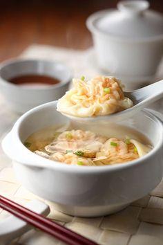 Chinese Shrimp Dumpling Soup