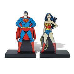 Aparador de Livros Superman e Mulher Maravilha- Geek / Nerd