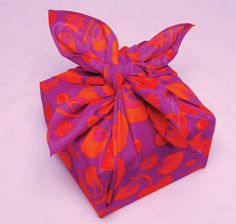 Love the way you can wrap gifts and make bags using the Japanese art of Furoshiki!