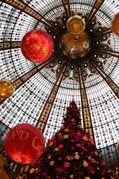 Christmas in Galleria Lafayette, Paris  Most beautiful store i've ever seen...from my standpoint, in the world.