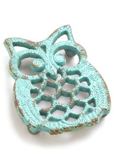 Hoot Stuff Trivet. Warm hearts with your sweet, rustic style by nestling your cake or casserole on this adorable owl trivet while it cools! #blue #modcloth