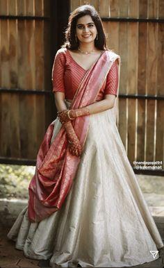 Dress Indian Style, Indian Fashion Dresses, Indian Designer Outfits, Kerala Engagement Dress, Engagement Dress For Bride, Simple Lehenga, Wedding Lehenga Designs, Lehenga Saree Design, Long Dress Design