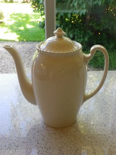 A era Johnson Bros 'Old English' pottery Coffee Pot - cream with pie crust detail utility china woods ware utility Johnson Brothers China, Johnson Bros, Easy Pie Crust, English Pottery, White Dishes, Kettles, Old English, Vintage China, Alexandria