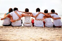 large group pictures on the beach | Group of friends at the beach — Stock Photo © Andres Rodriguez ...