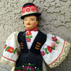 Vintage Hungarian Doll in Traditional Clothing by outofthepinksky Hungarian Girls, Hungarian Embroidery, Art Dolls, Paper Dolls, Hand Puppets, Barbie Collector, Folk Costume, My Heritage, Vintage Dolls