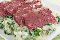 So often we prepare corned beef the same old way. Many of us simply boil corned beef in a pot of water. Instead, let's take a look at the many different ways you can prepare corned beef.
