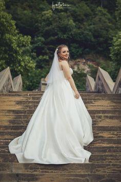 Esküvői fotózás Visegrád: A fellegvárban jártunk! - Esküvői fotós, Esküvői fotózás, fotobese Wedding Dresses, Fashion, Bride Dresses, Moda, Bridal Wedding Dresses, Fashion Styles, Weding Dresses, Dress Wedding, Wedding Dressses