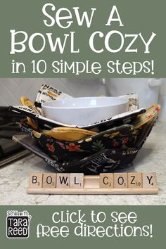 FREE PATTERN - Bowl cozies are great for hot food or cold - soup from the microw. FREE PATTERN – Bowl cozies are great for hot food or cold – soup from the microwave or ice crea Small Sewing Projects, Sewing Projects For Beginners, Sewing Hacks, Sewing Tutorials, Sewing Tips, Sewing Basics, Diy Projects, Fabric Crafts, Sewing Crafts