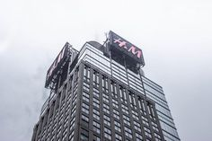 H&M building tower - http://www.welovesolo.com/hm-building-tower/