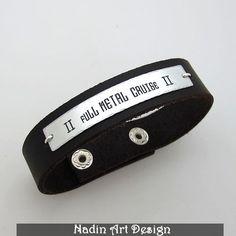 Namensschild Armband / Schmuck für Männer von NadinArtDesign auf DaWanda.com