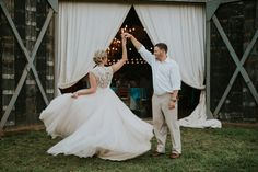 Punch colored, rustic chic summer barn wedding | The Barn at Twin Oaks Ranch | Andrea Clark Photography