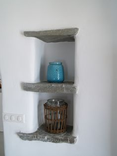 Making the most out of thick walls Paros Island, Greek House, Mykonos, Architecture Details, Floating Shelves, Greece, Walls, Wall Decor, Construction