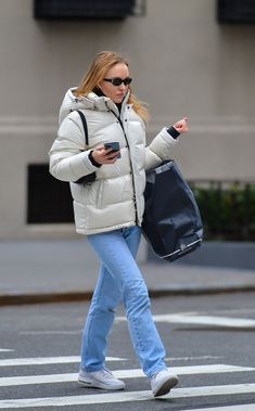 Lily Depp, Lily Rose Depp Style, Winter Fits, Models Off Duty, College Outfits, Winter Fashion, Street Wear, Cute Outfits, Celebs