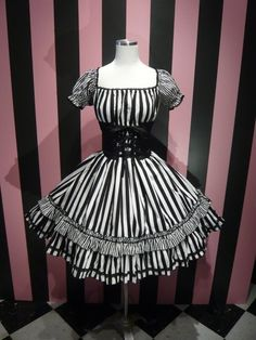 Atelier Pierrot gothic lolita
