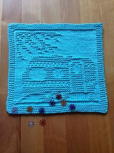 The distribution of this pattern ended in October Knitted Dishcloth Patterns Free, Knitting Squares, Beginner Knitting Patterns, Knitted Washcloths, Knit Dishcloth, Knitted Blankets, Loom Knitting, Knitting Stitches, Free Knitting