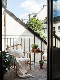Interior Balcony, Home Interior Design, Exterior Design, Interior And Exterior, Small Home Offices, Outdoor Spaces, Outdoor Decor, Cozy House, Future House