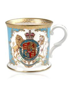 Coat Of Arms Fine Bone China Range. Inspired by a beautiful hand painted plate found in the Royal China Pantry, Buckingham Palace, featuring the coat of arms of King George IV and King William IV surrounded with blush pink English roses. King William Iv, King George Iv, King Henry, Henry Viii, Royal Collection Trust, English China, 22 Carat Gold, Bow Bracelet, Hand Painted Plates