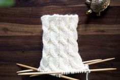 Woolen Socks, Designer Socks, Knitting Socks, Knitting Projects, Mittens, Knit Crochet, Diy And Crafts, Weaving, Hair Accessories