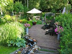 Bilderesultat for kauneimmat puutarhat Backyard Paradise, The Great Outdoors, Terrace, Patio, Outdoor Decor, Plants, Inspiration, Image, Beautiful