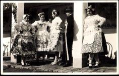 Ungarn, Blick auf junge Frauen in Tracht Folk Costume, Costumes, Folk Art, Ethnic, Fur Coat, Jackets, Image, Collection, Dresses