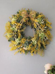 今日から2月、ミモザの解禁です! 今年も春のお花たちに出会えてとても嬉しい。 ニ...