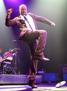 Gordon Downie of the Tragically Hip explodes at Caesars Windsor Kinds Of Music, Music Love, Music Is Life, Rock Music, My Music, Favorite Son, My Favorite Music, Hip Hip Hurray, Star Wars