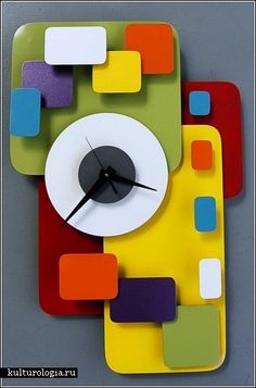 Modern clock designs are influenced by the art style of cubism and surrealism and are more directed to the concept of room decoration.