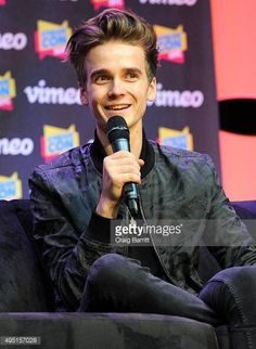 Joe Sugg at the Stream Con event in New York City on October Joseph Sugg, Buttercream Squad, Ricky Dillon, Joey Graceffa, Kian Lawley, Jc Caylen, Tyler Oakley, Shane Dawson, Phil Lester