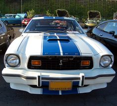 Second Generation (1974-1978) Mustang Photo Gallery: 1976 Mustang Cobra II