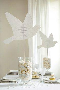 Centro de mesa para boda de rosas de papel crepe ideas for Centros de mesa economicos