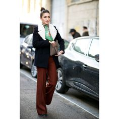 This outfit is simply classy and so put together.  Neat and crisp.  Street style by Zoe.