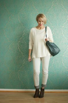 loose, mid-sleeve top; slim jeans but not too tight;  I'd look better in some color