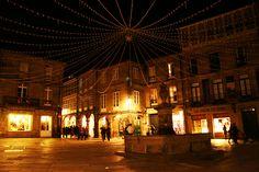 Plaza del Toural by Contando Estrelas, via Flickr