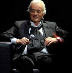 Jimmy Page at Led Zeppelin's listening event. Olympia Theatre, Paris. (May 21, 2004)