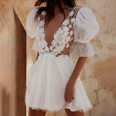 Mini Wedding Dresses, Perfect Wedding Dress, Short Girl Wedding Dress, Different Wedding Dresses, Wedding Dresses Simple Short, Princess Style Wedding Dresses, Sheer Wedding Dress, Unconventional Wedding Dress, Perfect Party