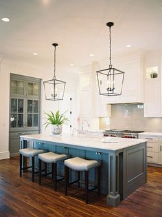 Coastal Beach House Kitchen With Nautical Lighting Floors Island Design