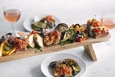 Tapas Restaurant, Restaurant Recipes, Wedding Food Menu, Wedding Catering, Sharing Platters, Great Recipes, Favorite Recipes, Food Texture, Hotel Food