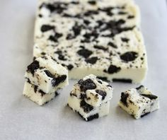 5 Minute Cookies and Cream Fudge | Kirbie's Cravings | A San Diego food blog