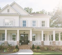 The Best Classic White Farmhouse Inspiration - - A huge collection of Farmhouse inspiration that is classic yet completely on-trend, showcasing white exteriors and some modern farmhouse touches. Dream House Exterior, Dream House Plans, Dream Houses, Farm House Exteriors, Farm House Porch, Home Exterior Design, House Ideas Exterior, Classic House Exterior, Country Home Exteriors