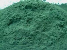Superfood Spotlight, Spirulina, what is it, what it's good for, and how to use it.