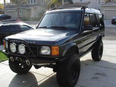 1999 Land Rover Discovery II i saw on craigslist.....DAMN. ME WANT