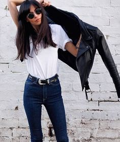 Style | Everything yes. White tee, high waist jeans, awesome belt, leather jacket and a long haircut with bangs.