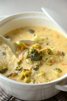 Slow Cooker Broccoli Cheese Soup - www.countrycleaver.com