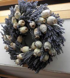 dekorace makovice - Hledat Googlem Lavender Crafts, Lavender Wreath, Flower Decorations, Christmas Decorations, Holiday Decor, Autumn Decorating, Crafts To Make And Sell, Nature Crafts, Diy Wreath