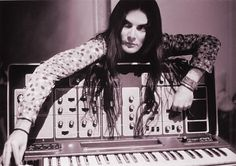 Laurie Spiegel was a computer scientist at Bell Labs before composing electronic music using algorithmic sequences that would later become the foundation of her Music Mouse software. Hipsters, Moog Synthesizer, Electronic Music Instruments, Beast, Record Collection, Women In History, Pop Music, Mixtape, Bands